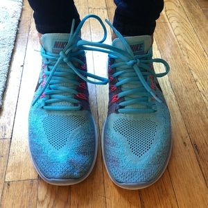 Nike Free Fly Knit Sneakers Blue 8.5 womens